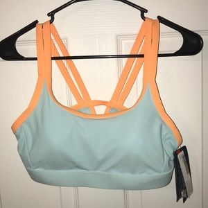 NWT Under Armour Swim bikini top
